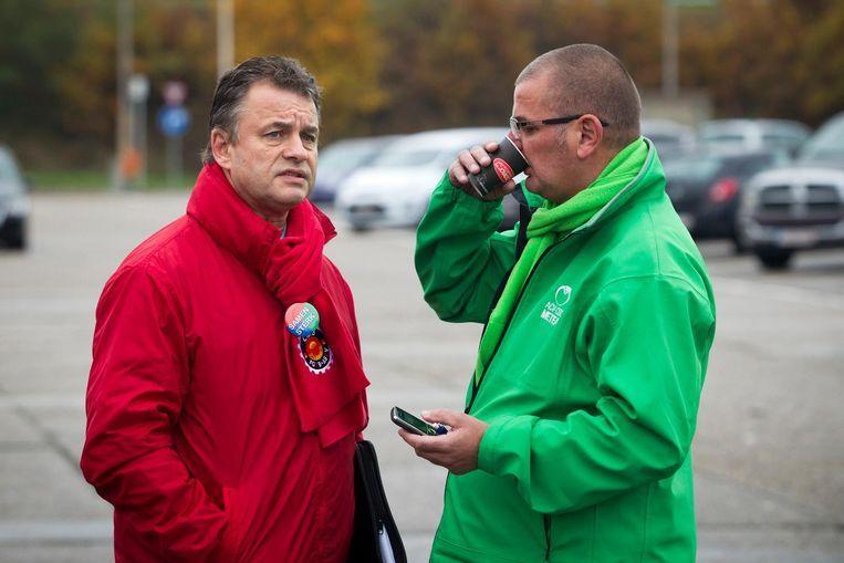 Vakbondafgevaardigde Rohnny Champagne (ABVV) en zijn collega Luc Prenen (ACV) in 2012.