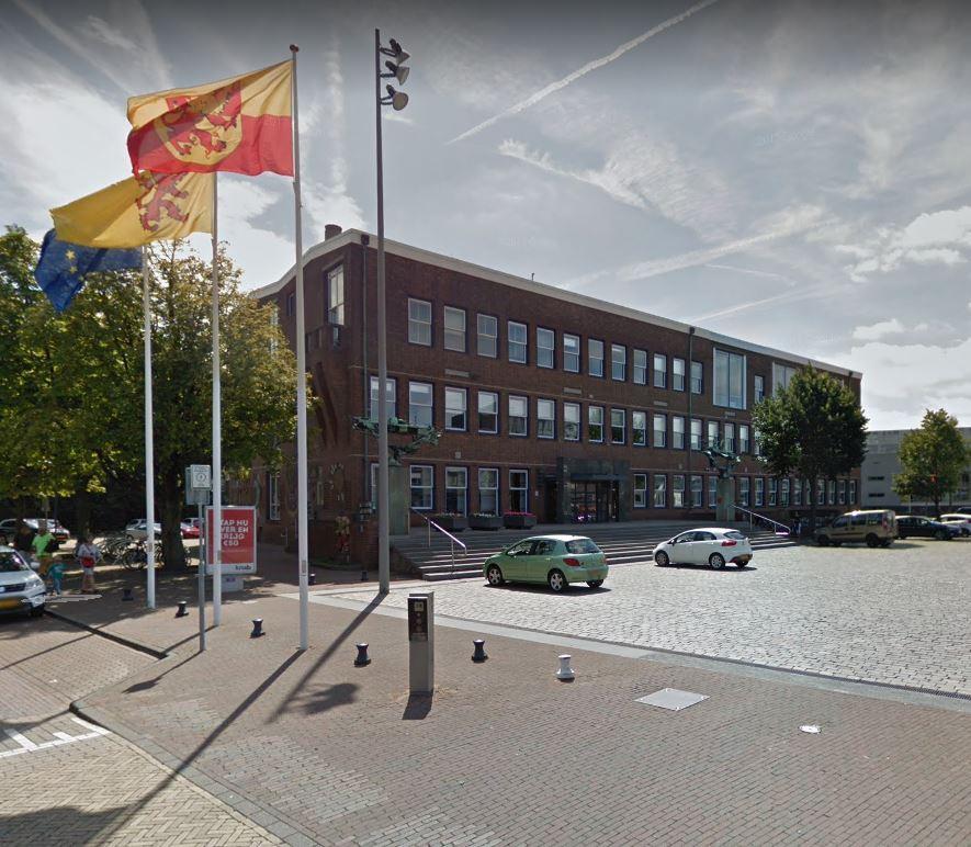Het gemeentehuis van Alblasserdam.