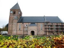 Werk in uitvoering aan de kerk van IJzendoorn