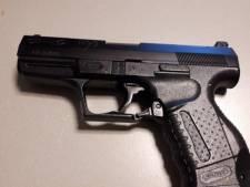 Jongens (13 en 15) wandelen met nepvuurwapen door Helmond: opgepakt door agent met getrokken wapen