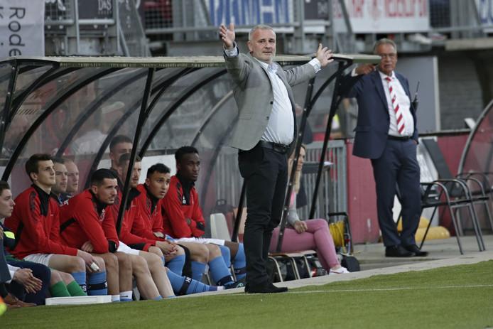 Helmond Sport-oefenmeester Robby Alflen werd woensdag op non-actief gezet.