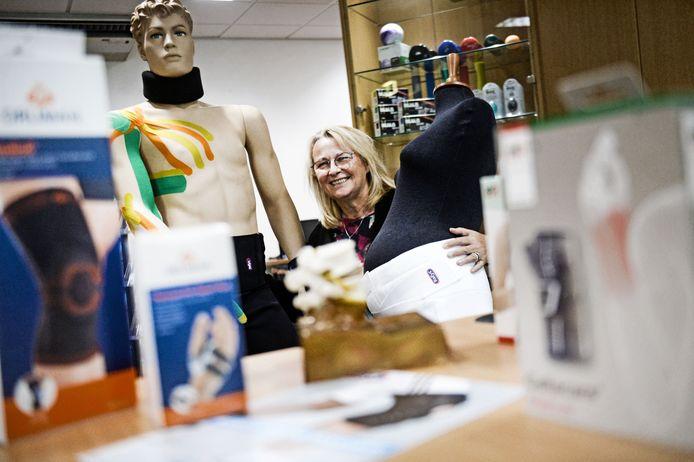 """Jolita Buddingh in de Blessurewinkel: """"Bij het woord winkel hebben mensen de associatie van vrijblijvend naar binnen kunnen lopen, advies vragen en eventueel iets aanschaffen."""""""