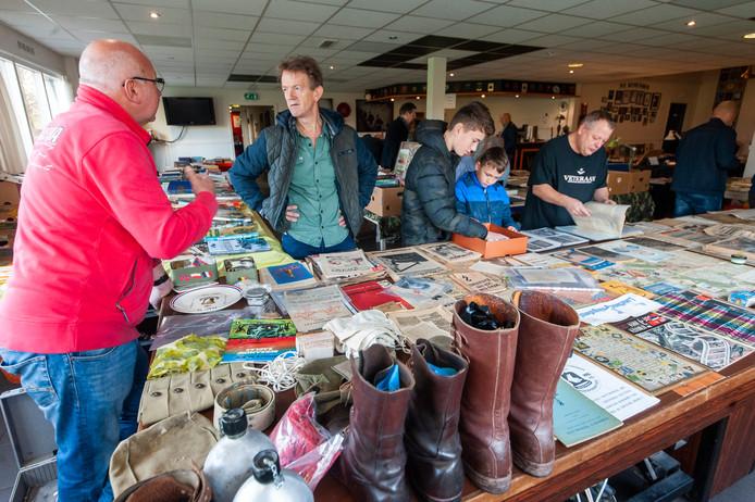 Foto ter illustratie. Militariaverzamelingen op de beurs in veteranencentrum De Ouwe Stomp in Den Bosch.