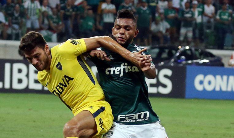 Magallán in actie tegen het Braziliaanse Palmeiras. Beeld Pro Shots / Action Images