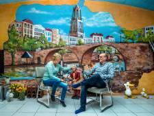 Wonen in een meterslange muurschildering; Piet en Ietje haalden Utrecht hun huis in