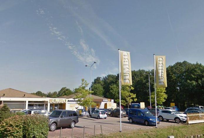 John van Bruchem van Jumbo Bommelerwaard is een van de voorvechters van een ruimere zondagopenstelling in de gemeente Zaltbommel. Zijn vestiging in Gameren mag op zondag niet open. De supermarkten in de stad Zaltbommel mogen dat wel en dat vindt hij niet eerlijk.