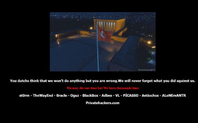 Een screenshot van de gehackte website van de Vrienden van Oorlogsmuseum Overloon.