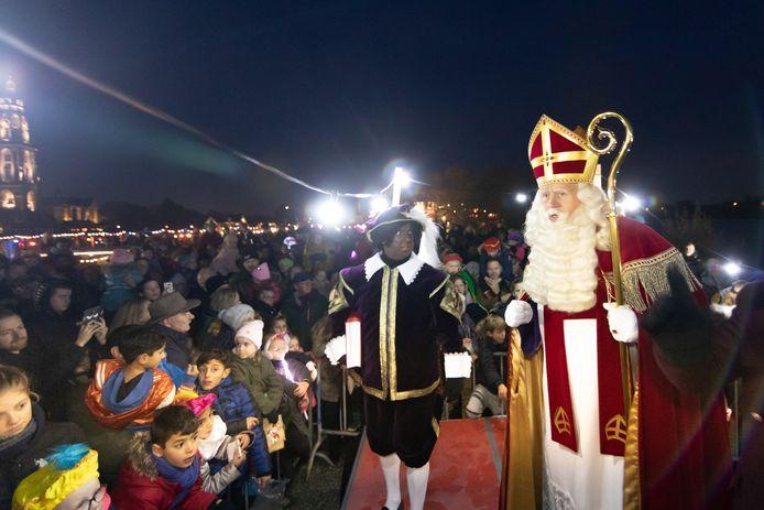 Sinterklaas komt aan in Rhenen in 2019.