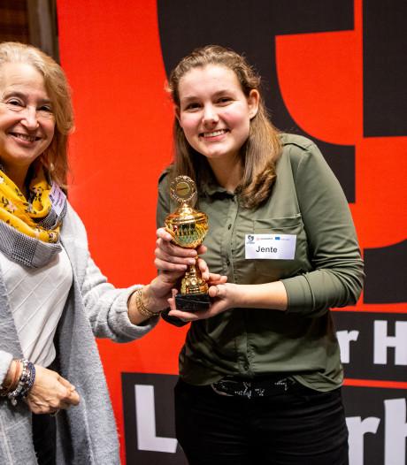 Beste speech is van Jente uit Raalte, Etty Hillesum Lyceum uit Deventer wint debatwedstrijd