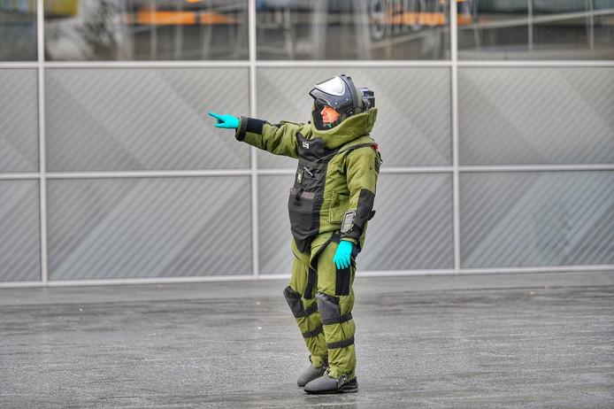 De Explosieven Opruimingsdienst Defensie (EOD) was ook ter plaatse en deed onderzoek.