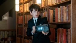 Disney wil scoren met 'de nieuwe Harry Potter', maar is Artemis Fowl die titel wel waard?