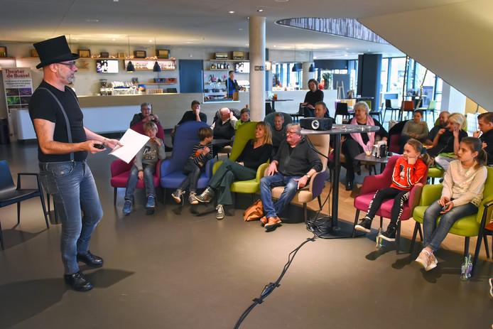 Vorige week gaf Andy Marcelissen nog een workshop tonpraoten voor brakken theater De Bussel in Oosterhout.