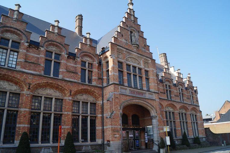 Cultuurcentrum Gildhof krijgt pas volgende zomer een nieuwe gevel en inkomhal.