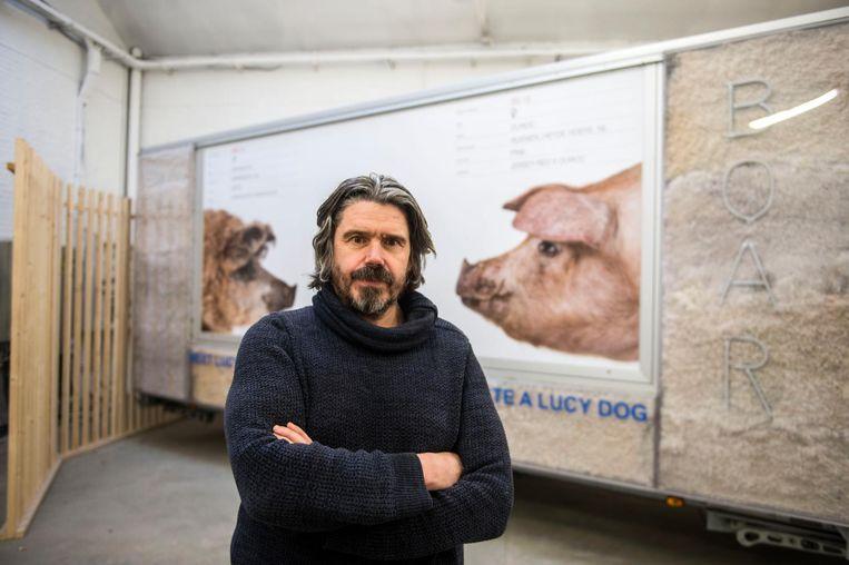 Kunstenaar Koen Vanmechelen presenteert 'Lucy' in Meatpack in de Samberstraat.