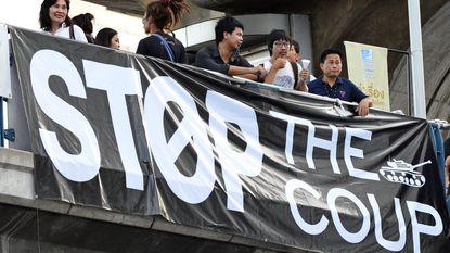 """VS: """"Leger moet democratie Thailand herstellen"""""""