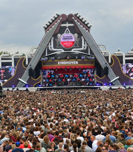 Chaotische toestanden op festival Vliegende Vrienden op E3-strand in Eersel: bezoekers in de verdrukking