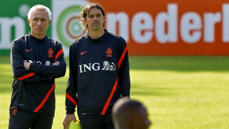 Bert van Marwijk en zijn assistent Phillip Cocu. Beeld anp
