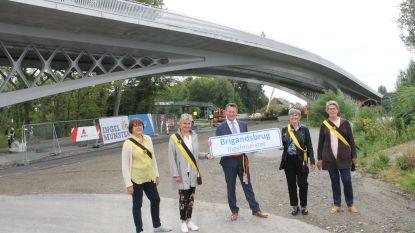 """Nieuwe Brigandsbrug open voor alle verkeer: """"Een historisch moment voor Ingelmunster"""""""