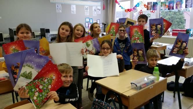 School mag niet op bezoek in seniorenresidentie, maar verrast bewoners met leuke nieuwjaarsbrief