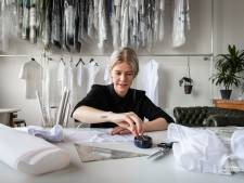 Utrechtse ontwerpster maakt kledingcollectie rond Spakenburgse kraplap