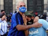 """Buenos Aires en Napoli in tranen bij afscheid van hún voetbalicoon: """"Diego was een superheld"""""""