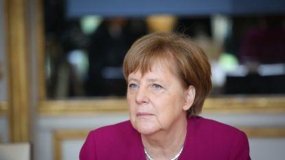 """""""Wees op uw hoede"""": demonstranten Hongkong waarschuwen Merkel in open brief voor bezoek aan China"""