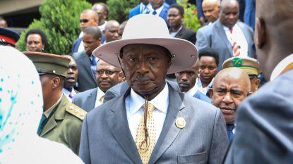 President van Oeganda start zesdaagse trektocht door jungle
