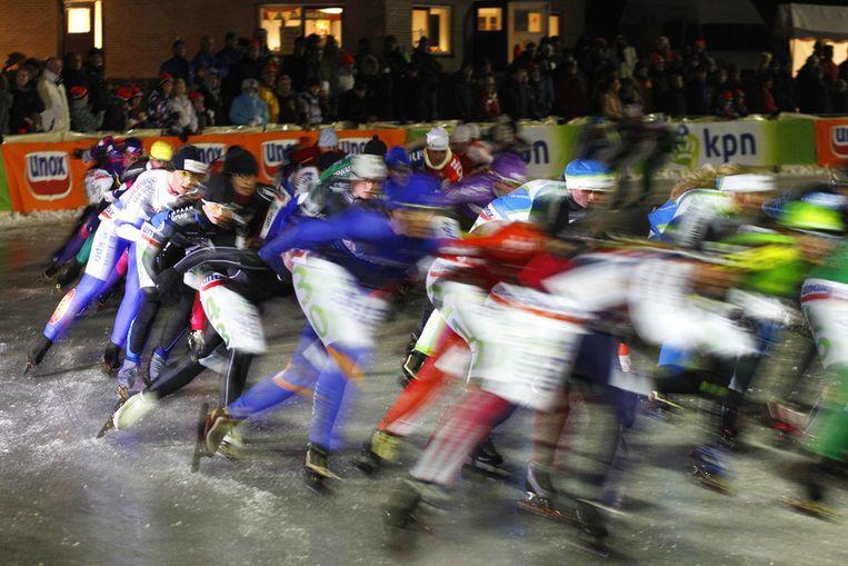 De eerste wedstrijd op natuurijs vorig jaar in Noordlaren. © ANP Beeld