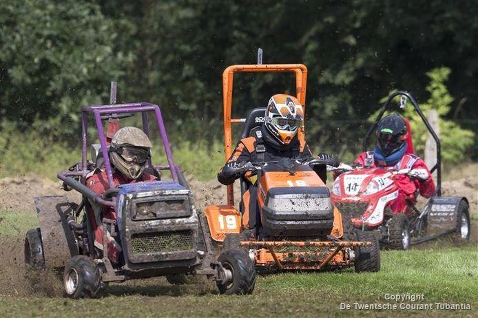Overijsselse kampioenschappen zitmaaierracen