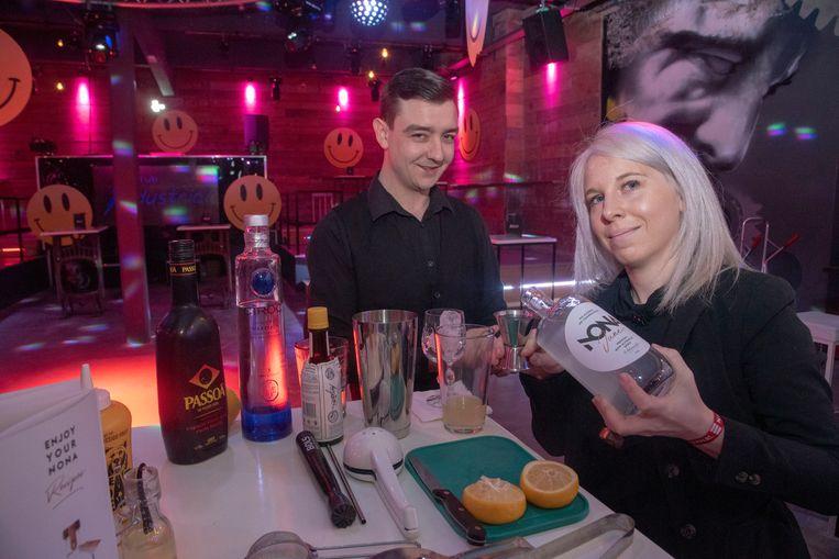 Maite en Lorenzo: Shaken en daten in Club Industrial.