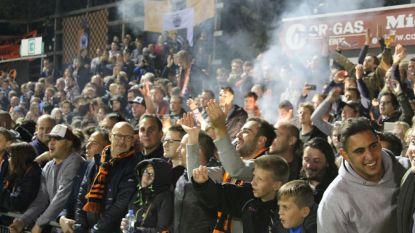 Deinze-supporters vieren volksfeest tegen de landskampioen