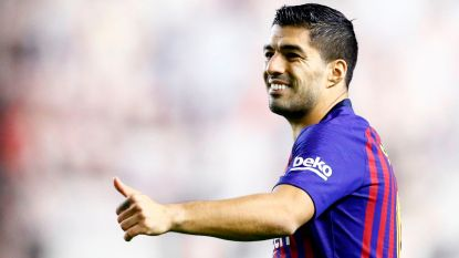 Dembélé en Suarez doen thuisfans verstommen, Barça op en over Rayo in slotfase