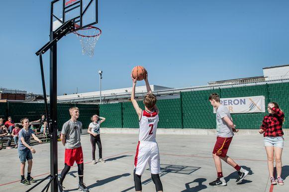Schoenmuseum Eperon d'Or organiseerde een 3x3 basketcompetitie