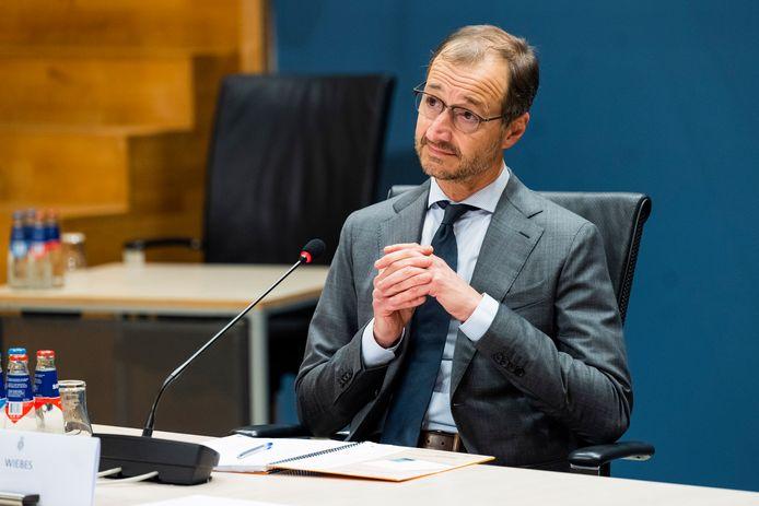 Eric Wiebes, staatssecretaris van Financiën van 2014 tot 2017, wordt maandag gehoord door de parlementaire enquêtecommissie Kinderopvangtoeslag.