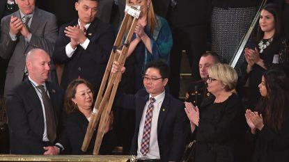 Hij overleefde ternauwernood een treinongeval, werd gefolterd en sloeg op de vlucht: Noord-Koreaan krijgt staande ovatie tijdens State of the Union