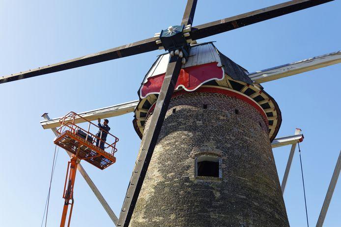 De renovatie van korenmolen De Pegstukken in Schijndel is in volle gang.