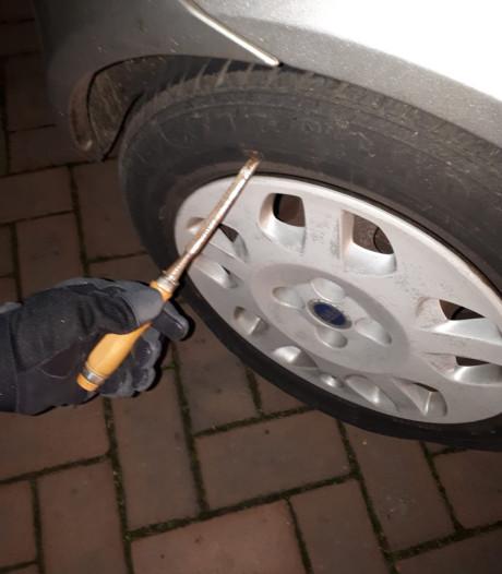 Politie houdt bandenprikker aan in Ede