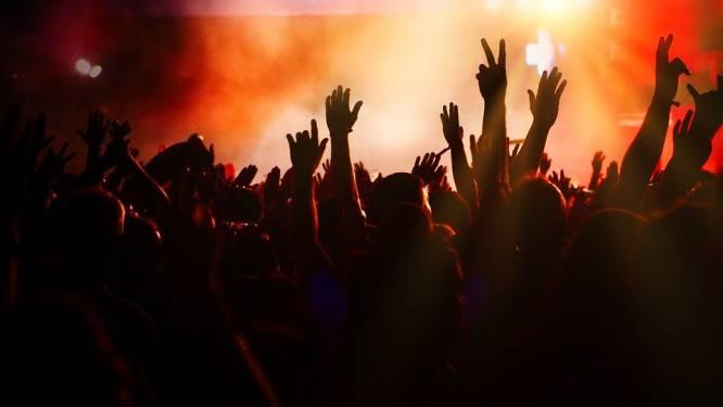 Politie legt lockdownfeestje met negen jongeren stil in Zonhoven