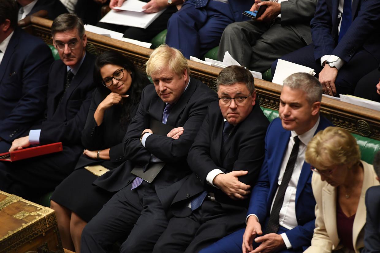 Boris Johnson verloor dinsdag in het Britse Lagerhuis weer een belangrijke stemming over de brexit. Beeld VIA REUTERS