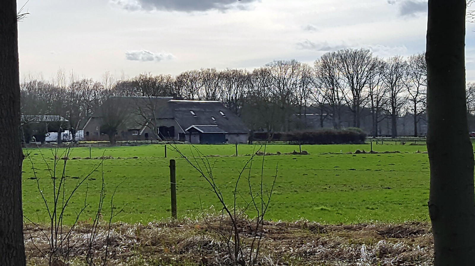 De Ververs hadden hun intrek genomen in de luxe woonboerderij in Voorst.