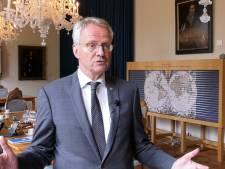 Marinierskazerne: Commissaris van de koning Polman haalt hard uit naar staatssecretaris Visser
