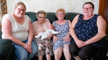 Vrouwelijk vijfgeslacht bij de familie Stoffelen-De Maeyer