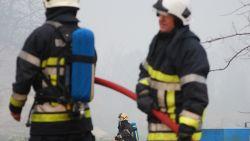 Eigenaar van loods zwaargewond bij brand