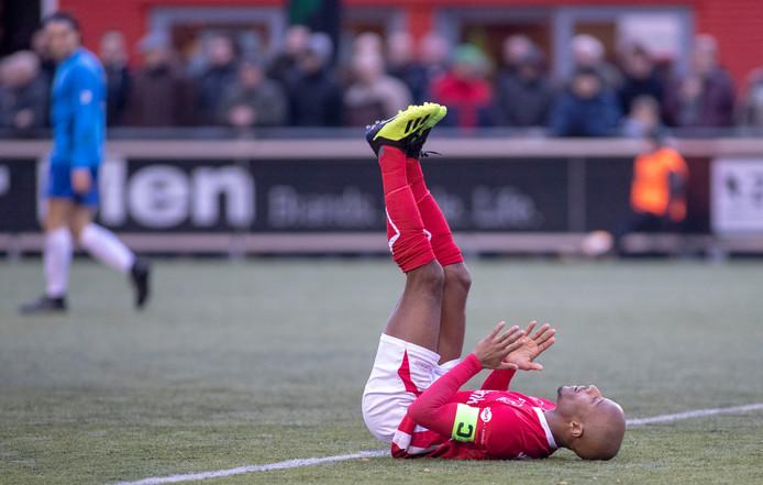 Joshua Patrick eerder dit seizoen na een gemiste kans tegen De Dijk. Zaterdag schoot hij DOVO met twee doelpunten naar de overwinning op ONS Sneek.