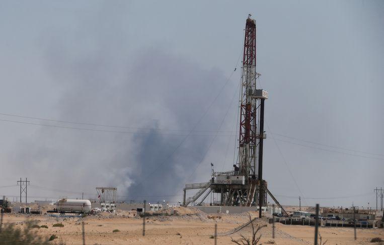 Onder meer het olieveld van Abqaiq in het noordoosten van Saudi-Arabië, van de grootste olieraffinaderij ter wereld, raakte zwaar beschadigd.