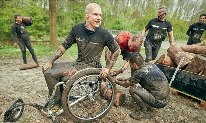 Sebastiaan van Nieuwenhuizen tijdens een ander inspannend evenement: de Mud Masters Obstacle Run.