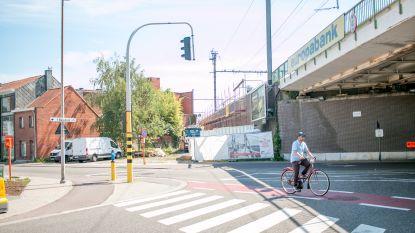 Nieuwe fietsbrug over Vijfstraten stap dichterbij: stad koopt opnieuw woning aan om ruimte te maken voor fietstraject