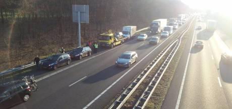Ongeval: uur vertraging op snelweg A28 tussen Harderwijk en knooppunt Hoevelaken