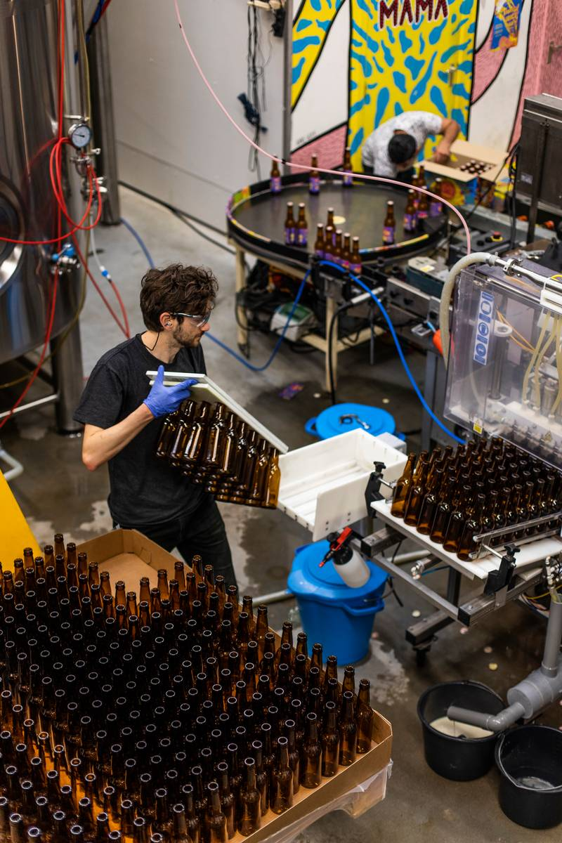 Paul Chianese in de brouwerij in Noord.