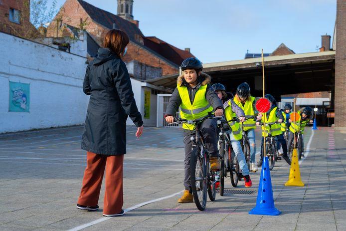 Hartencollege Buitengewoon Lager Onderwijs uit Ninove werd door de VSV beloond met een bronzen Verkeer op School-medaille. De school kreeg de bekroning voor haar inzet voor verkeers- en mobiliteitseducatie.